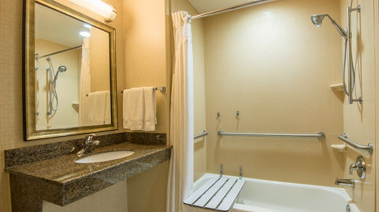Holiday Inn Express & Suites Phoenix Room