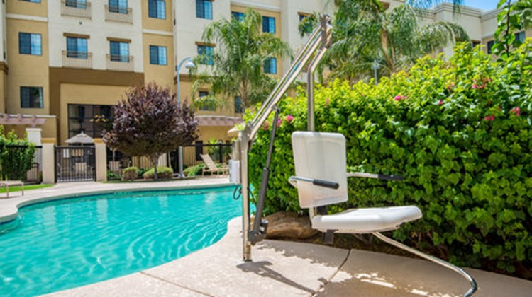 Holiday Inn Express & Suites Phoenix Pool