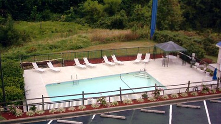 Holiday Inn Express Greensboro Pool