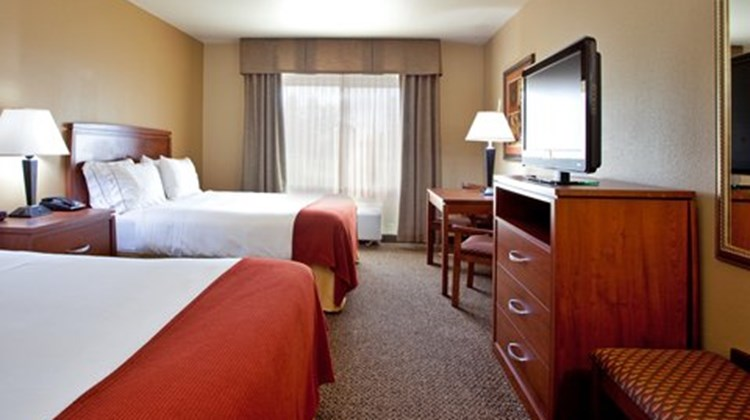 Holiday Inn Express Lewisburg Room