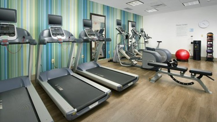 Holiday Inn Express & Suites Altoona Health Club