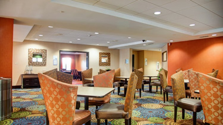 Holiday Inn Express & Suites Tyler South Restaurant
