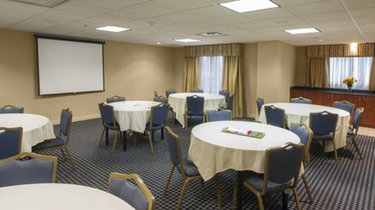 Holiday Inn Express Hotel and Suites Buf Meeting