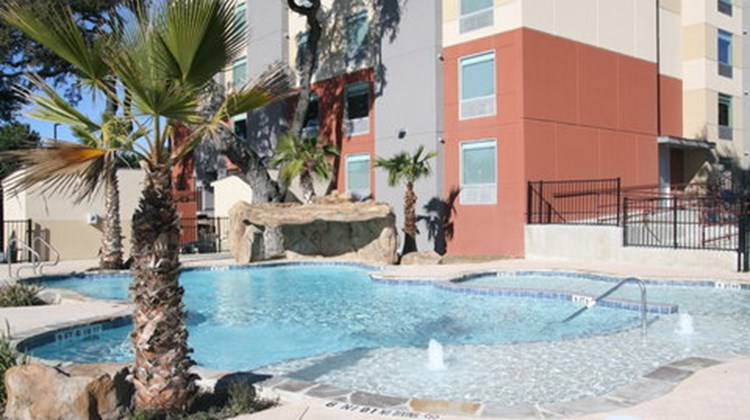 Holiday Inn Express & Suites East-I10 Pool