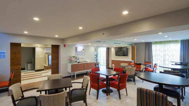 Holiday Inn Express & Suites East-I10 Restaurant