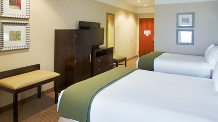 Holiday Inn Express & Suites Galveston W Room