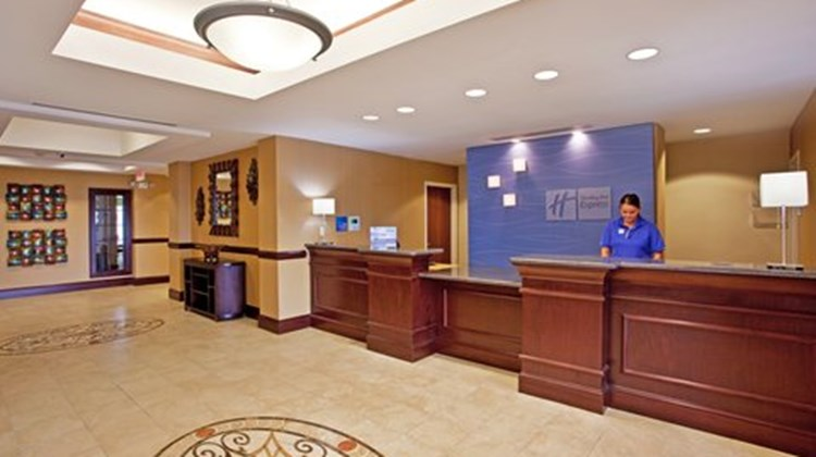 Holiday Inn Express & Suites Dayton Sout Lobby