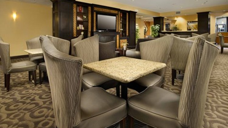 Holiday Inn Express & Suites Denton Restaurant