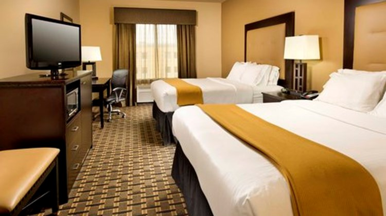 Holiday Inn Express & Suites Denton Room