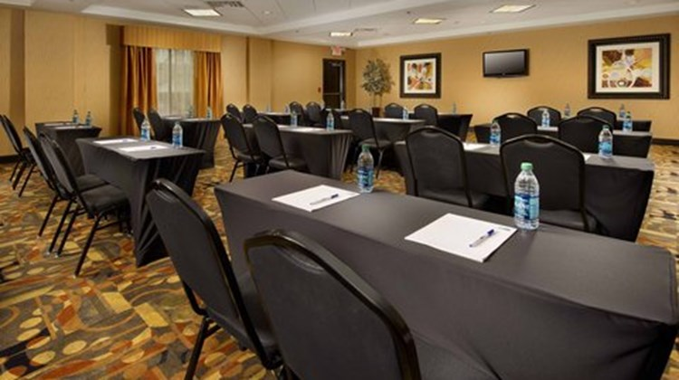 Holiday Inn Express & Suites Denton Meeting