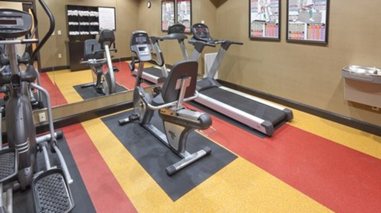 Holiday Inn Express & Suites Denton Health Club