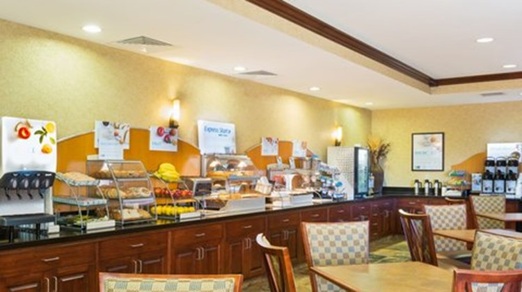 Holiday Inn Express and Suites, Helena Restaurant
