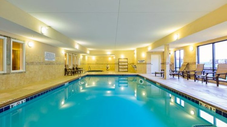 Holiday Inn Express and Suites, Helena Pool