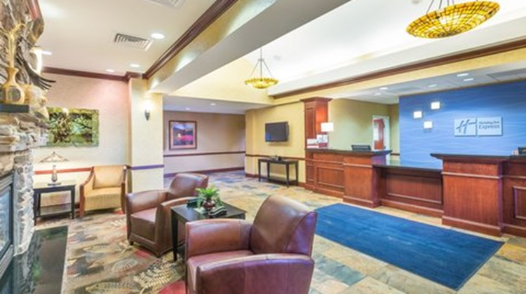 Holiday Inn Express and Suites, Helena Lobby