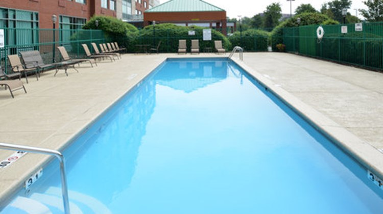 Holiday Inn Express Riverport Pool