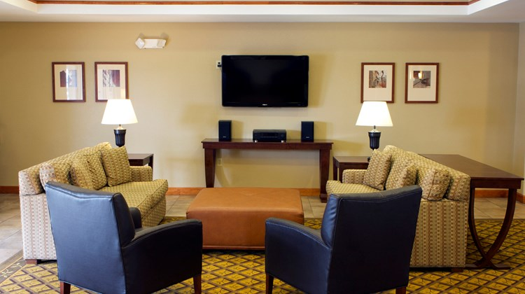 Candlewood Suites Champaign Lobby