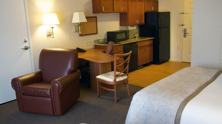 Candlewood Suites Champaign Room