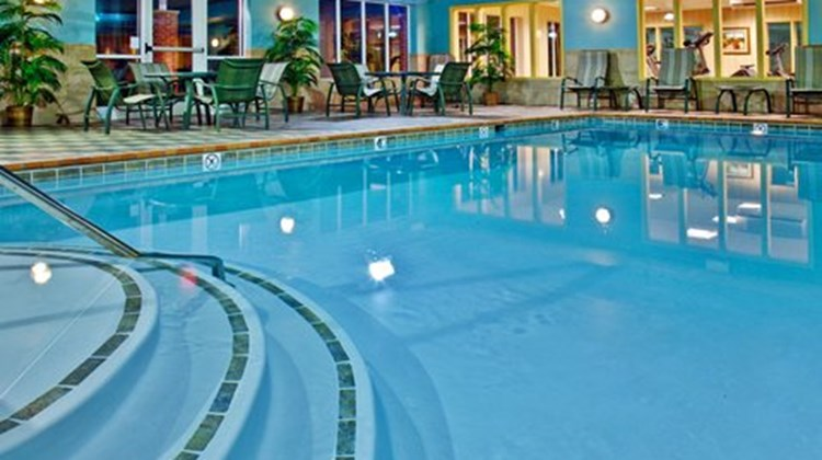 Holiday Inn Express Pool