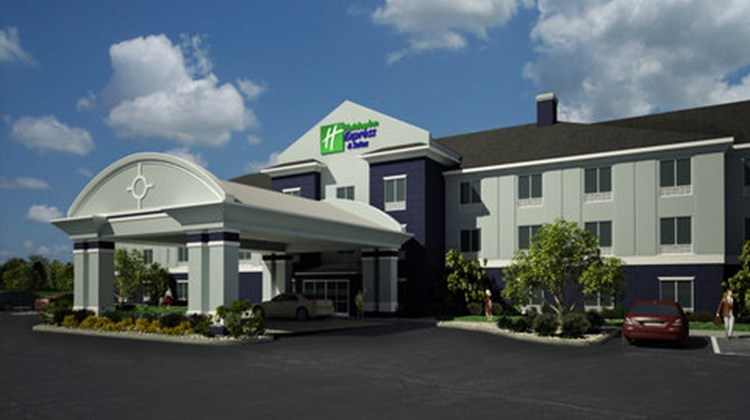 Holiday Inn Express & Suites N Freemont Exterior