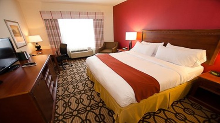 Holiday Inn Express & Suites LaGrange Room