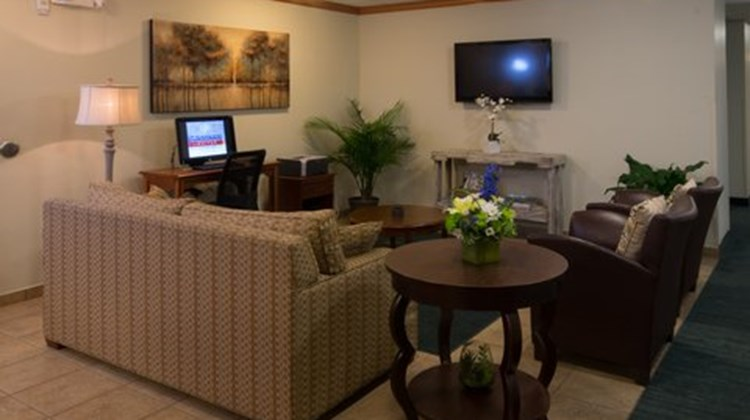 Candlewood Suites Alabaster Lobby