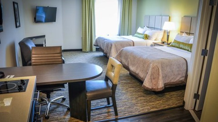 Candlewood Suites Columbus-Northeast Room