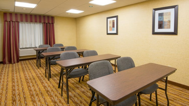 Holiday Inn Express & Suites Wauseon Meeting