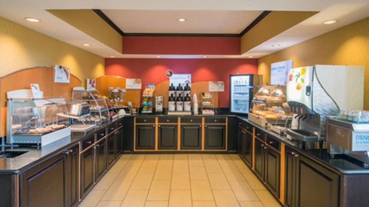 Holiday Inn Express & Suites Wauseon Restaurant