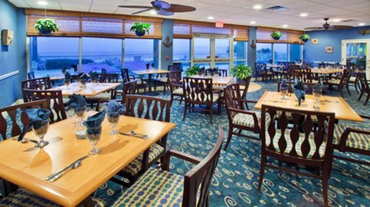 Holiday Inn Oceanfront at Surfside Beach Restaurant