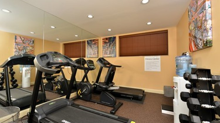 Holiday Inn Express Kennedy Airport Health Club