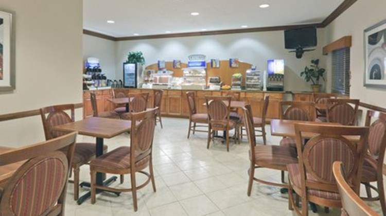 Holiday Inn Express Evansville West Restaurant
