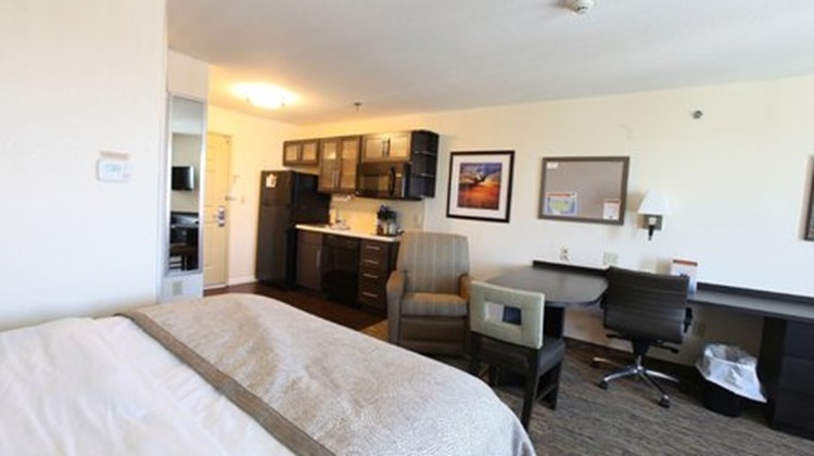 Candlewood Suites St Joseph Room