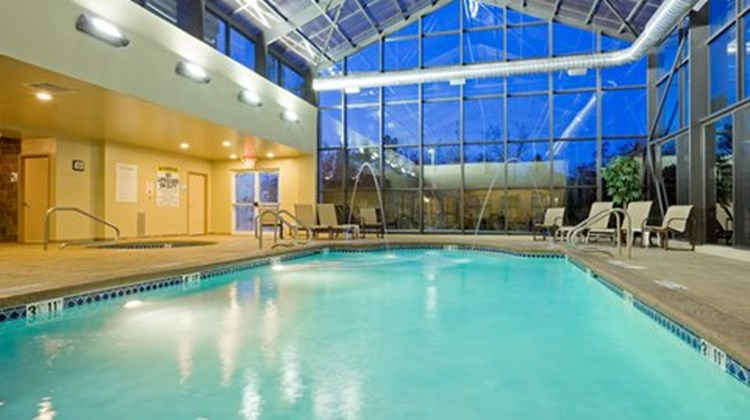 Holiday Inn Express & Suites Absecon Pool