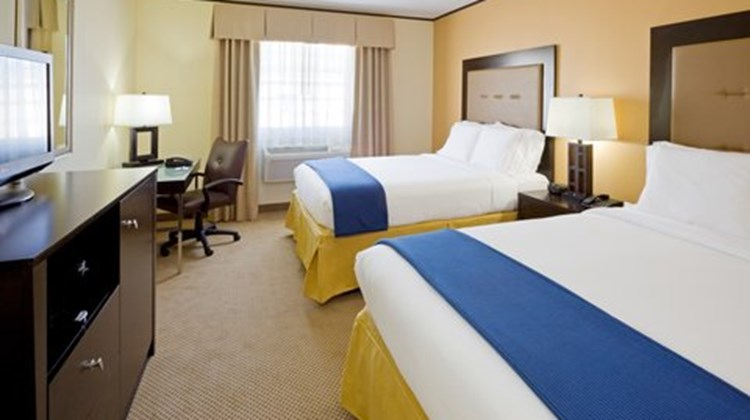Holiday Inn Express & Suites Absecon Room