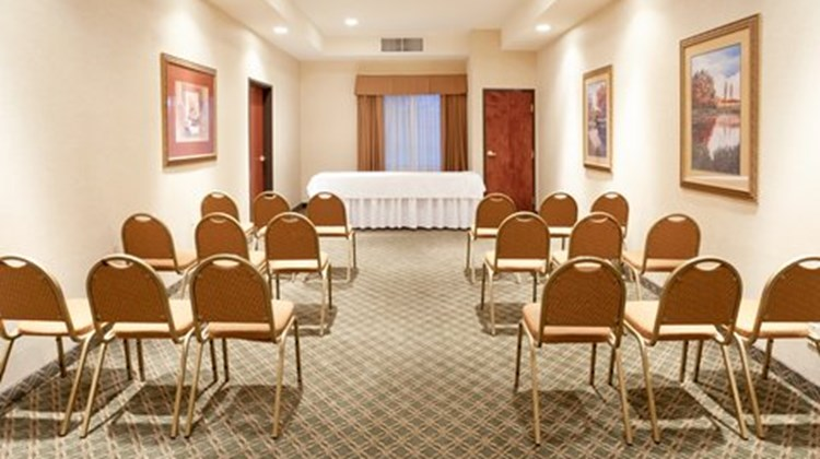 Holiday Inn Express & Suites Kerrville Meeting