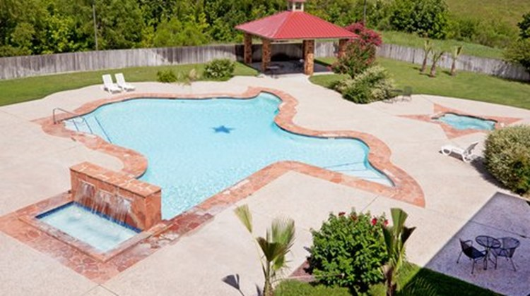 Holiday Inn Express & Suites Kerrville Pool