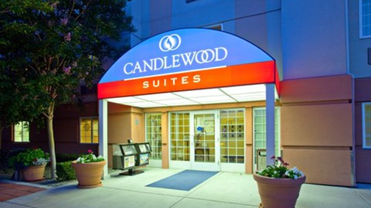 Candlewood Suites North Orange County Exterior