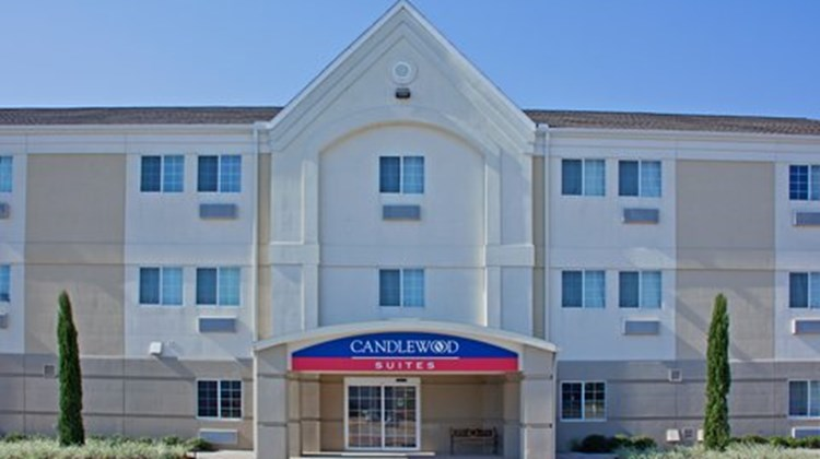 Candlewood Suites Nederland Lobby