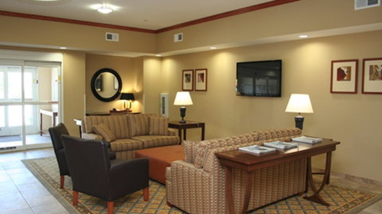 Candlewood Suites Avondale Lobby