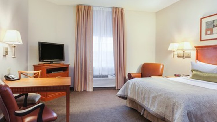 Candlewood Suites Georgetown Room