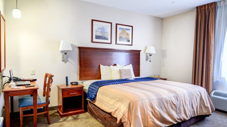 Candlewood Suites Wake Forest Suite