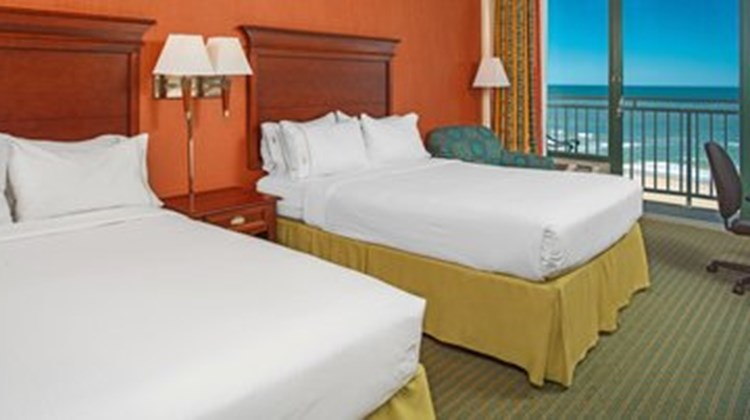 Holiday Inn Express & Suites VA Beach Room