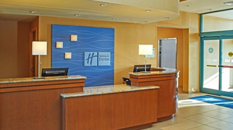 Holiday Inn Express & Suites VA Beach Lobby