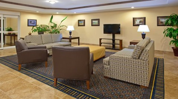 Candlewood Suites Roswell Lobby