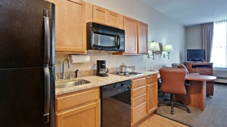 Candlewood Suites Terre Haute Room