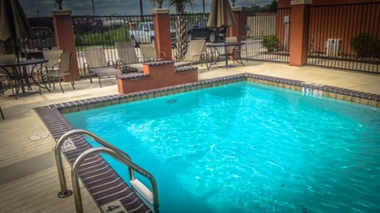 Candlewood Suites New Iberia Pool