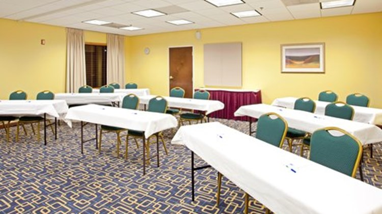 Holiday Inn Express Richmond Airport Meeting
