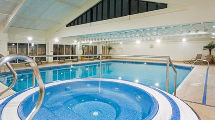 Holiday Inn Cambridge Pool
