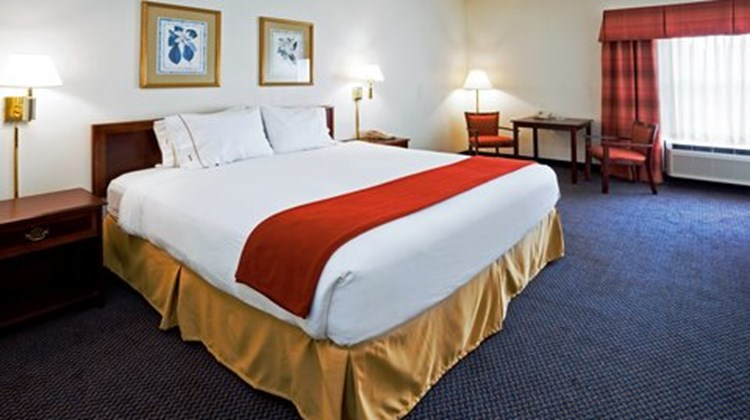 Holiday Inn Express (Durham Area) Room