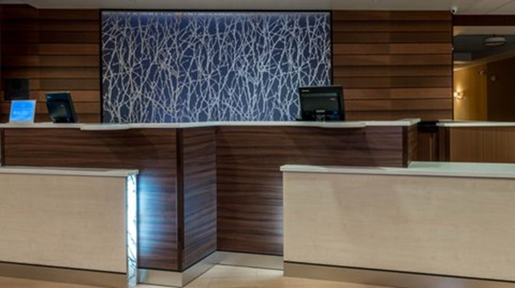Fairfield Inn & Stes Montgomery Airport Lobby